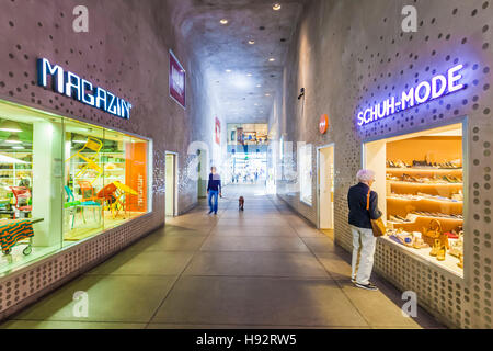 MAGAZIN SHOP AND A SHOE SHOP, PRANNERPASSAGE, FUENF HOEFE SHOPPING ARCADE, MUNICH, BAVARIA, GERMANY - Stock Image