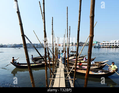 Wooden taxi boats on the Buriganga river in Dhaka, Bangladesh. - Stock Image
