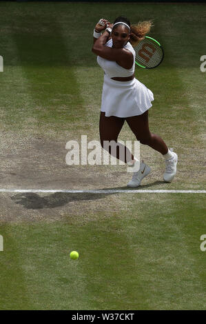 London, UK. 13th July, 2019.London, UK. 13th July, 2019. The All England Lawn Tennis and Croquet Club, Wimbledon, England; Wimbledon Tennis Tournament, Day 12;  Serenea Williams (usa) returns to Simona Halep (rom) during the womens singles final match Credit: Action Plus Sports Images/Alamy Live News - Stock Image
