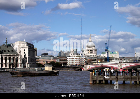 London River Thames skyline and St Paul's Cathedral - Stock Image