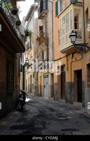 Calle VI in Palma, Mallorca, Spanien, Europa.   Calle VI in Palma, Majorca, Spain, Europe. - Stock Image