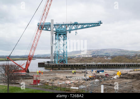 Queen's Quay - formerly John Brown's shipyard site - regeneration underway in 2019 beneath the iconic Titan Crane - Glasgow, Scotland, UK - Stock Image