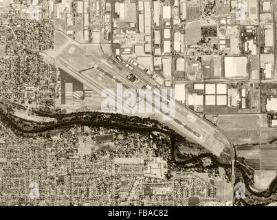 historical aerial photograph Modesto City–County Airport, Modesto, Stanislaus County, California, 1998 - Stock Image