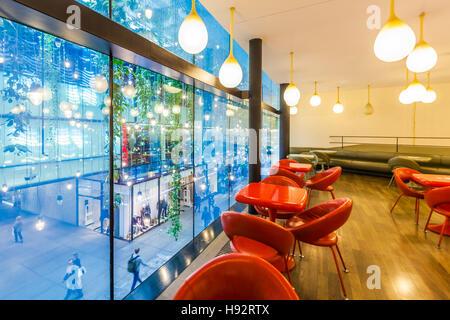KUNSTHALLE CAFE, FUENF HOEFE SHOPPING ARCADE, MUNICH, BAVARIA, GERMANY - Stock Image