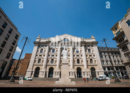 Horizontal view of the Italian stock exchange in Piazza D'Affari in Milan, Italy. - Stock Image