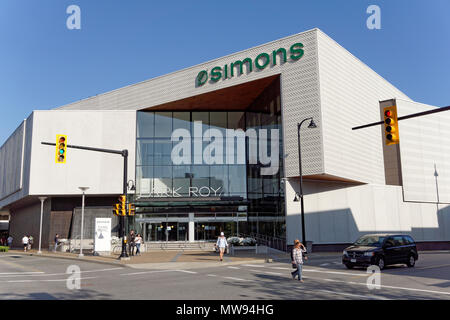 Simons clothing and home decor store in the Park Royal Shopping Centre, West Vancouver, British Columbia, Canada - Stock Image
