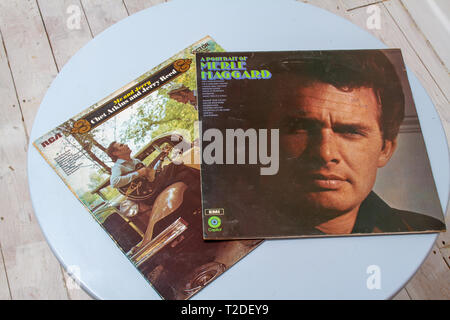 Merle Haggard, Jerry Reed and Chet Atkins record covers - Stock Image