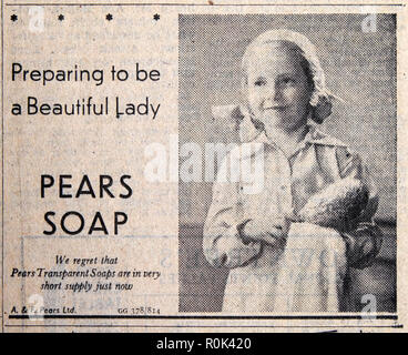 PEARS SOAP 'Preparing to be a Beautiful Lady'  advert wiith child little girl in Daily Express newspaper 1940s London England UK - Stock Image