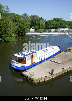 Goring Lock, on the Ridgeway and Thames Paths, Goring Gap, Goring-on-Thames, Oxfordshire, England, UK, GB. - Stock Image