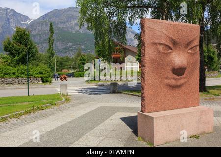 Public sculpture in Troll village of Eidfjord Kommune, Måbødalen, Hardanger, Hordaland, Norway, Scandinavia - Stock Image