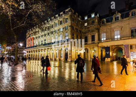 PARIS, FRANCE - NOVEMBER 10, 2018 - Place Colette and the Comédie Française by night - Stock Image