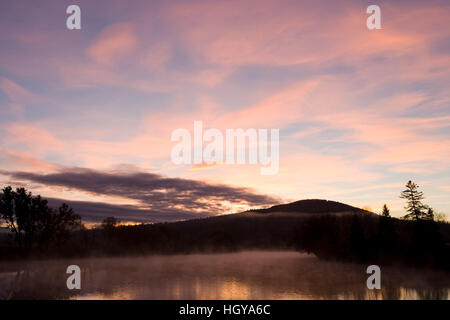 Dawn over the Connecticut River in Lunenburg, Vermont. - Stock Image