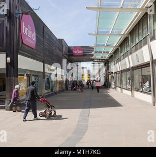 Brunel Centre pedestrianised street from  Regent Street, town centre of Swindon, Wiltshire, England, UK - Stock Image
