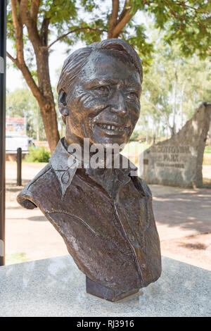 Bust of Frank Ifield at Bicentennial Park Tamworth NSW Australia.  Sculpted by Kate French, - Stock Image
