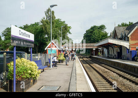 Crowthorne Railway Station  Home of Wellington College -3 - Stock Image