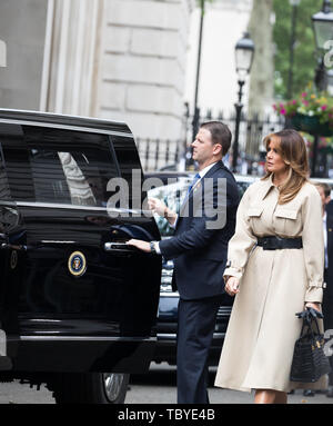 London, UK. 4th June, 2019. President Trump arrives in his presidential car, a Cadillac, nicknamed the Beast in Downing Street for a lunchtime meeting during his Three day State visit to the UK. Credit: Keith Larby/Alamy Live News - Stock Image
