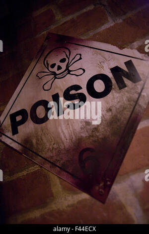 Poison warning sign dirty - Stock Image