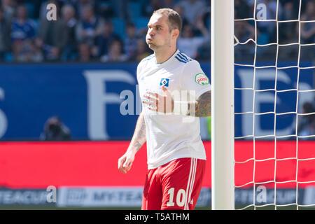 Hamburg, Deutschland. 20th Apr, 2019. Pierre-Michel LASOGGA (HH) makes after his last big goal chance 'fat cheeks', frustrated, frustrated, frozen lateet, disappointed, disappointed, disappointment, disappointment, sad, facial expressions, half figure, half figure, football 2nd Bundesliga, 30th matchday, HSV Hamburg Hamburg Hamburg (HH) - FC Erzgebirge Aue (AUE) 1: 1, on 20.04.2019 in Hamburg/Germany. ¬ | usage worldwide Credit: dpa/Alamy Live News - Stock Image