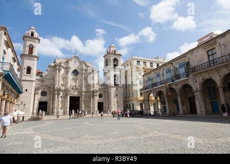 Cuba, Havana, Old Havana. Cathedral Square. Credit as: Wendy Kaveney / Jaynes Gallery / DanitaDelimont.com - Stock Image