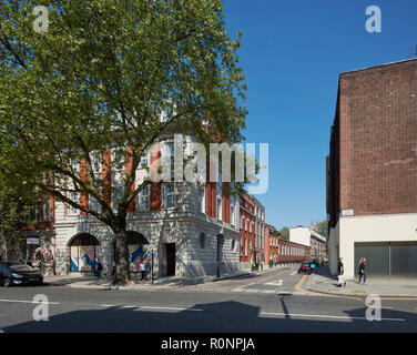 Intersection King's Road and Chelsea Manor Street. 224 - 226 Kings Road, London, United Kingdom. Architect: Horden Cherry Lee Architects Ltd, 2018. - Stock Image