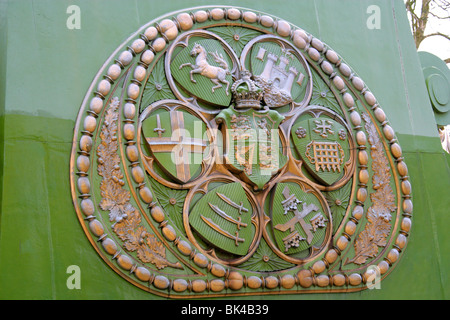 Detail of Emblem on Hammersmith Suspension Bridge on the River Thames - Stock Image