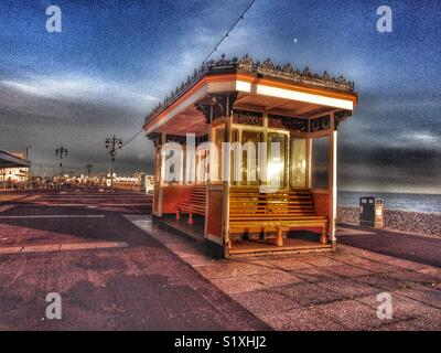 Shelter on Southsea Promenade in late afternoon sun, Portsmouth, England, UK - Stock Image