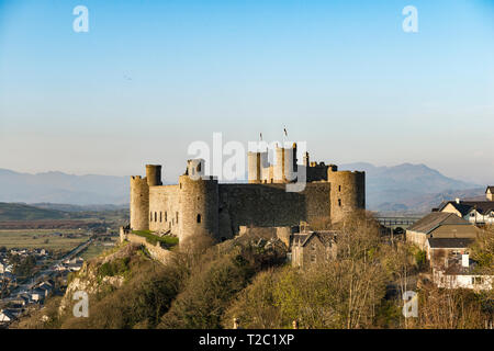 Harlech Castle, Gwynedd, north Wales, UK. It was built by King Edward I in 1282, and overlooks the small town of Harlech and the Irish Sea - Stock Image