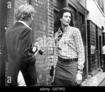 David Hemmings and Vanessa Redgrave / Blow-up / 1966 directed by Michelangelo Antonioni (Bridge Films - Carlo Ponti - Stock Image