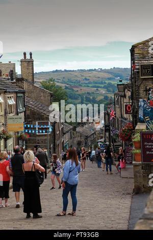 Main Street, Haworth, Keighley, West Yorkshire, England, UK - Stock Image