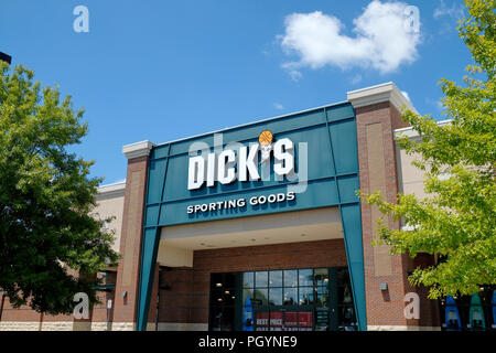 Front entrance exterior and sign for Dick's Sporting Goods retail mall super store in Montgomery Alabama, USA. - Stock Image