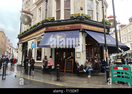 The Round House pub, Covent Garden, London, England, UK - Stock Image