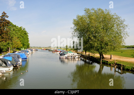 River Thames flowing by Port Meadow, Oxford, Oxfordshire - Stock Image