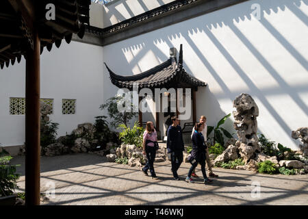 The Metropolitan Museum of Art, Astor Court, Chinese Art, NYC - Stock Image