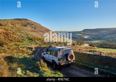 Land Rover on a Green Lane near Chapel-en-le-Frith. Peak District National Park, Derbyshire, England. - Stock Image
