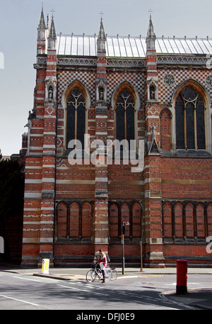 Keble College Chapel, Oxford University, Keble Road, Oxford, Oxfordshire, UK. From the Corner of Keble Road and Parks Road. - Stock Image
