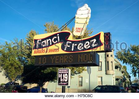 Fanci Freez - old fashioned drive thru buger bar, in W State Street, Boise, Idaho, USA. - Stock Image
