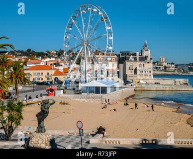 Cascais beach, Lisbon, Portugal - Dec 6, 2018: A giant ferris wheel has been setup at Cascais Beach ahead of the xmas season - Stock Image