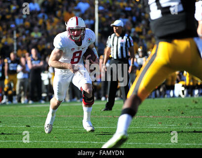 Pasadena, CA. 01st Jan, 2016. Stanford Cardinal quarterback Kevin Hogan #8 runs in the 1st quarter during the 2016 - Stock Image