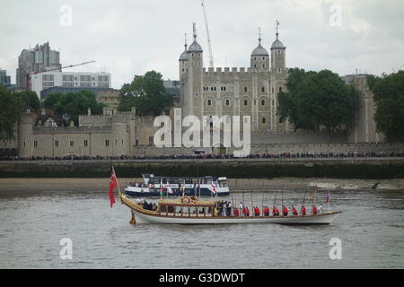 Her Majesty  Queen Elizabeth II's  90th Birthday Celebrations - Gloriana, Tower of London, River Thames, London - Stock Image
