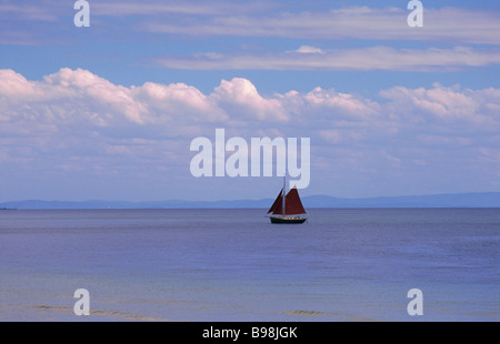 Yacht in full sail - Stock Image