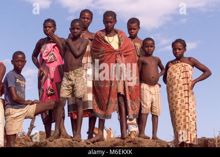 During severe flooding in Mozambique in March 2000,  stranded communities on the Save river, Inhabane Province, - Stock Image