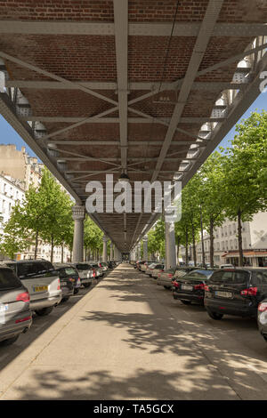 France, Paris, 2019 - 04,  Boulevard de Grenelle, Underneath the Bir Hakeim metro line 6 in Paris, The zone has become a parking, The name of the stat - Stock Image