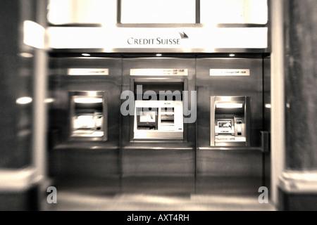 CH Zuerich Bank Credit Suisse interieur ATM Schweiz Zuerich Credit Suisse Geldautomat im Lichthof an der Bahnhofstrasse - Stock Image