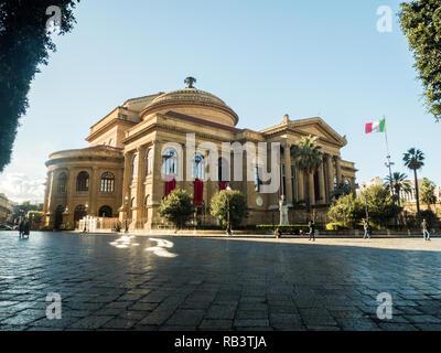 The Teatro Massimo Vittorio Emanuele, an Opera House in Piazza Verdi, city of Palermo, Sicily, Sicily, Italy - Stock Image