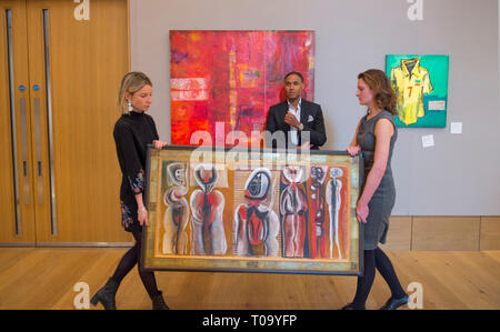 Bonhams, New Bond Street, London, UK. 18 March, 2019. Leading Bonhams Modern and Contemporary African Art sale, which takes place on 20 March 2019, are works by Benedict Chukwukadibia Enwonwu and Gerard Sekoto. Ben Enwonwu's wooden sculpture of a young woman, entitled Fruit Seller, and Gerard Sekoto's vibrant painting Washer Women, circa 1940, both have an estimate of £100,000-150,000. Credit: Malcolm Park/Alamy Live News. - Stock Image