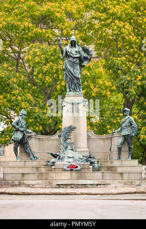 Liverpool Wirral Port Sunlight Village The Kings Liverpool Regiment monument war memorial Burma South Africa Afghanistan - Stock Image