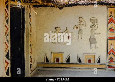 Exhibit of wall decoration on Gond Hut of Mandla District in the National Handicrafts and Handlooms museum, New Delhi, Delhi, India - Stock Image