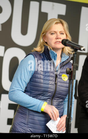 London, UK. 23rd Mar, 2019. Justine Greening, Conservative MP for Putney, speaking at the People's Vote March and rally, 'Put it to the People.' Credit: Prixpics/Alamy Live News - Stock Image