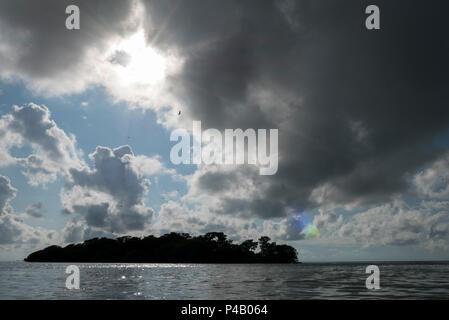 Oyster Key floats in Florida Bay, Everglades National Park, Miami, Florida, USA - Stock Image