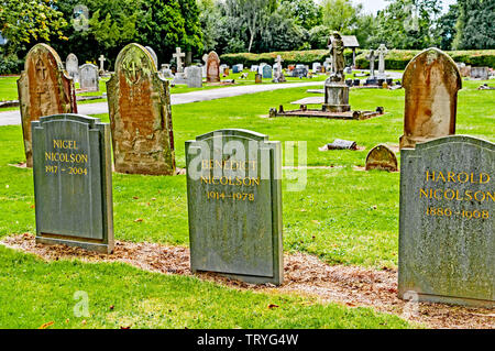 Graves of Harold, Benedict and Nigel Nicolson on the Churchyard in Sissinghurst; Gräber der Familie Nicolson auf dem Friedhof in Sissinghurst - Stock Image